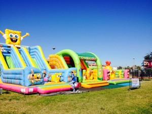Atracciones para los niños en parque comercial Alavera